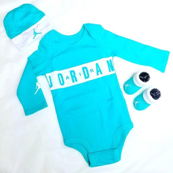 269bcfda859bdf Nike Jordan Infant 3 piece - New Baby set - 0-6 M